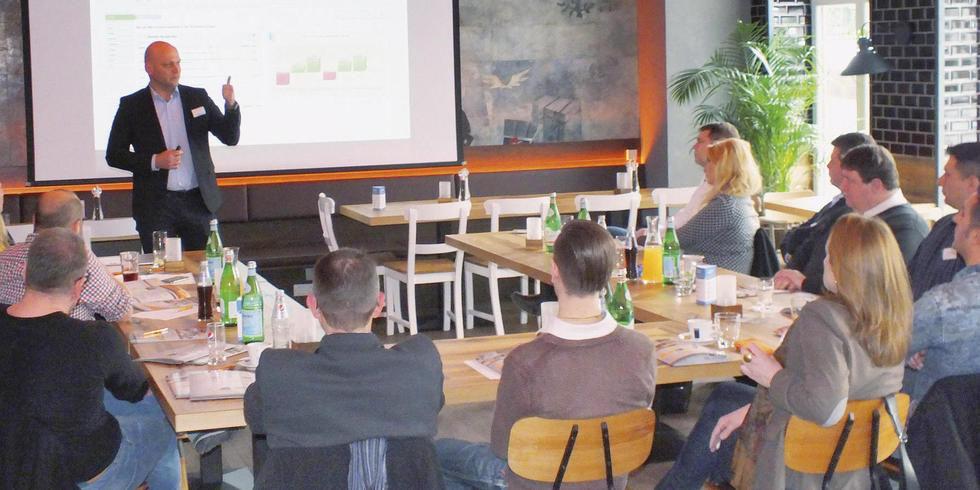 recruiting mit cocktailkurs allgemeine hotel und gastronomie zeitung. Black Bedroom Furniture Sets. Home Design Ideas
