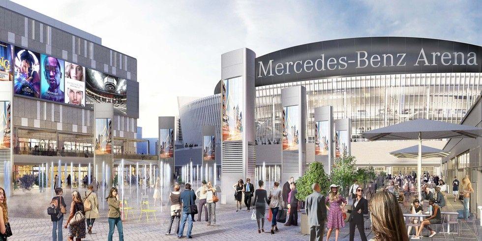 Hans Im Gl 252 Ck Kommt An Den Berliner Mercedes Platz