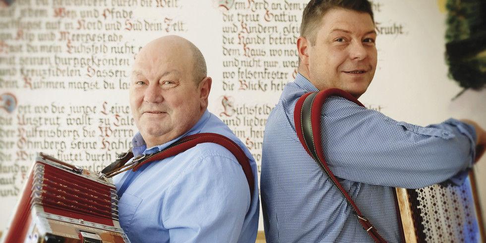 Die Vorfahren waren Berufsmusiker: Herbert (links) und Marco Fritsch spielen ebenfalls auf.