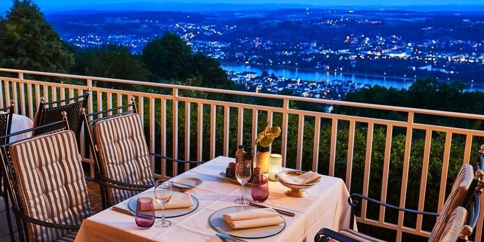 Speisen hoch über dem Rhein: Das ermöglicht das Grandhotel oberhalb von Königswinter