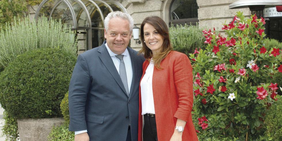 Erläuterten im Herbst 2018 die Umbaupläne: Dorint-COO Jörg T. Böckeler und die Hoteldirektorin Carla Lopes.