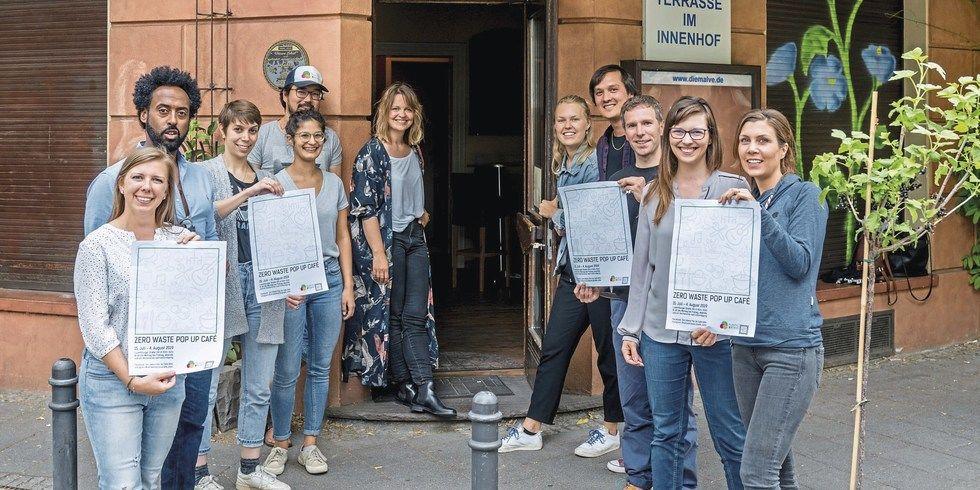 Temporäres müllfreies Projekt: Das Team des Pop-up-Cafés in Köln war mit Feuereifer bei der Sache.