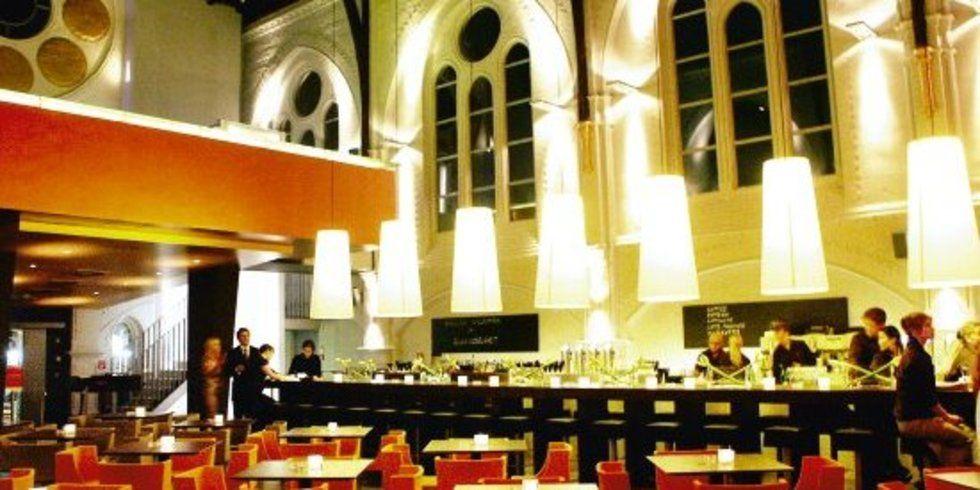 ein bierchen schl rfen am altar allgemeine hotel und gastronomie zeitung. Black Bedroom Furniture Sets. Home Design Ideas