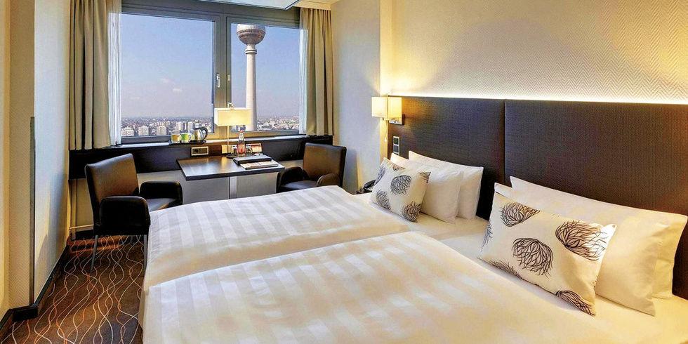 Berlin tr umen ber dem alex allgemeine hotel und for Zimmer mit blick