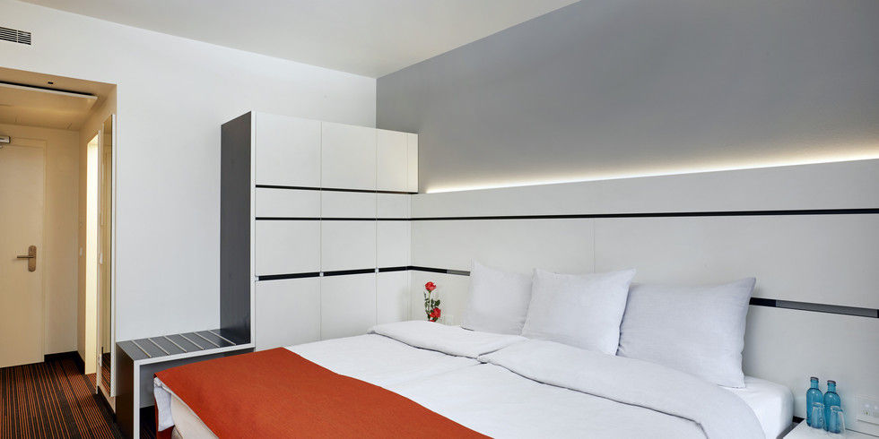 erste einblicke ins neue ramada hotel hamburg city center. Black Bedroom Furniture Sets. Home Design Ideas