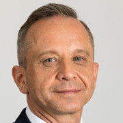 NH befördert Alexander Dürr