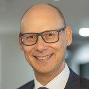 Eduard M. Singer startet bei Novum