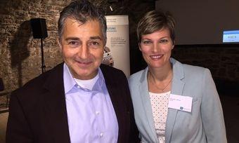 Gastro-Kenner: Referent Pierre Nierhaus und AHGZ-Redakteurin Alexandra Leibfried, die Moderatorin der AHGZ-Gastro-Talks