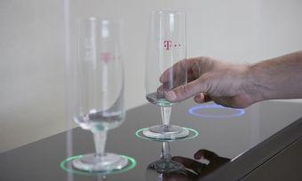 Neuartiges Glas: Das Produkt von Rastal und Deutsche Telekom kann unter anderem melden, wann wie schnell getrunken wird