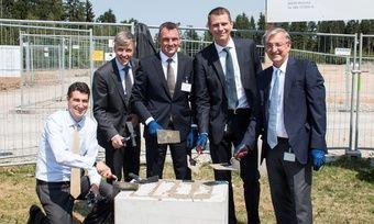 Grundsteinlegung: (von links) Axel Kaufmann, Peter Stadelmann, Mathias Neuner, Markus Paschmann, Peter Wiedemann