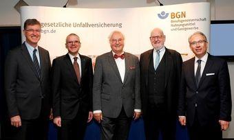 Dirk Ellinger (2.v.l.): Er ist der neue Vorstandsvorsitzende der Berufsgenossenschaft Nahrungsmittel und Gastgewerbe