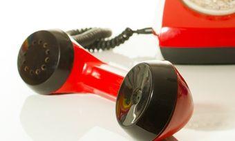 Ärgernis am Telefon: Lange Wartezeiten sind für Kunden ein No-Go