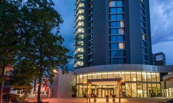 Hier stehen Veränderungen an: Das New Century läuft nun unter der Regie der Odyssey Hotel Group