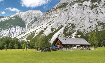 Eine Saison in den Alpen: In so mancher Berghütte werden Mitarbeiter gesucht.