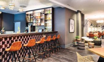 Neu gestaltet: Die Bar in der Lobby des Leonardo Boutique Hotel Düsseldorf