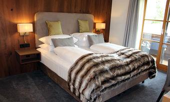 Im modernen Alpen-Look: Die neuen Zimmer im Alpenhof Murnau