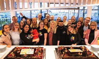 Team in Partylaune: Im Prizeotel Bremen wurde fröhlich gefeiert.