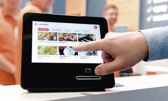 Alles im Blick: Die Bestellung auf mobilen Geräten wird ebenso normal wie die Überwachung von Maschinen