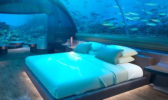 Mitten im nassen Element: Unterwasser Suite im Conrad Maldives Rangali Island
