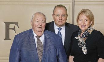 Hoteliers des Jahres 2019: (von links) Eberhard, Christian und Anja Barth