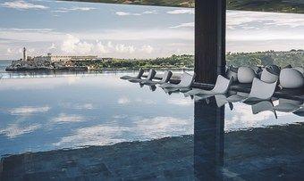 Der Pool verschmilzt mit dem Meer: Havannas Hotellerie hat den Blick auf den Ozean inklusive