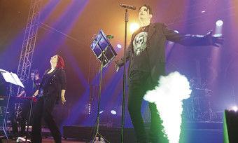 Beliebter Act: Die Dark-Pop-Band Blutengel stand bereits zweimal beim Plage-Noire-Festival am Weissenhäuser Strand auf der Bühne