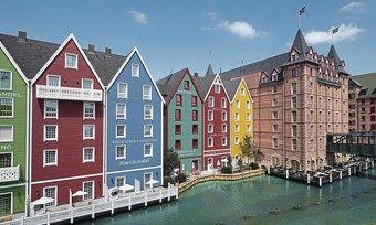 Die Location: Das 4-Sterne-superiorErlebnishotel Krønasår ist einem skandinavischen Dorf nachempfunden