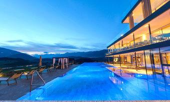 """Bester Spa"": Panoramapool im Hotel Winkler in St. Lorenzen"