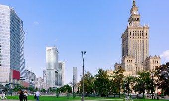 Beliebtes Ziel: Warschau lockt viele Reisende an