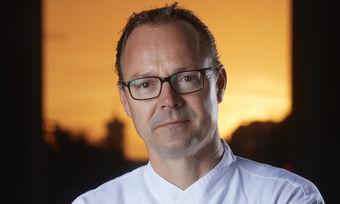 Legt Wert auf gesundes und nachhaltiges Essen: Hendrik Otto aus dem Restaurant Lorenz Esszimmer im Kempinski Hotel Adlon in Berlin