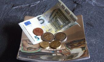 Gesetzlicher Mindestlohn: Seit dem 1. Januar wurde er auf 9,35 Euro pro Stunde angehoben