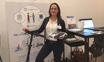 Reizvoller Deal: beyond bookings, hier mit Verkaufsleiterin Cigdem Yüler, bietet Hoteliers E-Mobilität gegen leerstehende Hotelzimmer