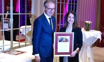 Strahlende Siegerin: Verena Kunz mit Oetker-Collection-CEO Frank Marrenbach