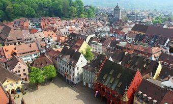 Begehrte Ziele: Ländliche Destinationen wie Freiburg und der Schwarzwald sind in Corona-Zeiten begehrter als große Metropolen