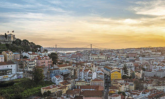 Blick über Lissabon: Die portugiesische Hauptstadt ist bei Besuchern besonders beliebt.
