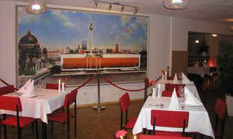 Neu eröffnet: DDR-Ambiente im Ostel-Restaurant