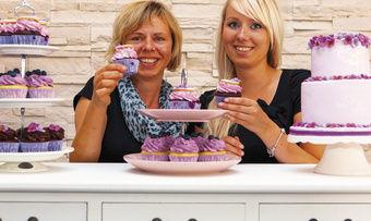Kuchen-Designerinnen: Elke (links) und Lydia Lörke