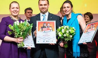 Gewinner Benedikt Rudolph mit den Finalisten Julia Watermann (links) und Fanny Neumann