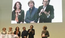 Starke Frauen auf der Intergastra-Bühne: (von links) Helene Benedikter, Nathalie O'Hara, Sabine Speidel, Vera Haueisen und Caroline von Kretschmann diskutieren mit SWR1-Moderatorin Petra Klein über emotionale Führungskompetenz.