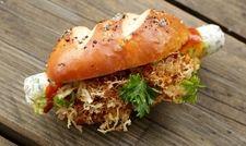 Eines der Gewinner-Rezepte 2015: Der Frankfurter Matjes-Hotdog