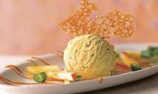 Eine Idee von Mövenpick: Birne, Sellerie und Ananas-Thai-Basilikum-Eis.