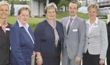 Für Geschäftsführerin Jutta Braun (Dritte von links) und ihr Führungsteam mit (von links) Antje Senf, Silvia Timm, Thomas Zabel, Angela Führer und Ute Doering vom Kongresshotel Potsdam ist die Frauenquote kein Thema