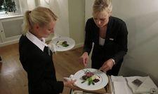 Filetieren und portionieren: Im Finale des Wettbewerbs geht es um praktische Fähigkeiten am Gästetisch.