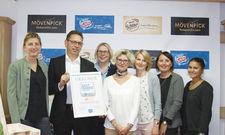 Stolzes Team: (von links) Melanie Morgenroth, Fritz Kellermann, Kerstin Krischer, Judith Toleikis, Kerstin Kirsch, Lilli Kiesel und Jasmin Arnold.