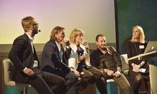 Im Gespräch: (von links) Christian Bergmann, Lars Krückeberg, Lilian Roten und Alex Urseanu diskutieren mit Moderatorin und Redakteurin Natascha Ziltz über die Zukunft des Hotelbads.
