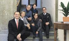 Die Vorstände des Projekts Mitarbeiter-Sharing: (von links) Marcel Krähenmann, Claudia Züllig-Landolt, Federico Haas, Brigitte Küng, Christina Darms und Lorenzo Pianezzi.