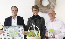 Präsentieren die Genießertour: Bürgermeisterin Kerstin Hoppe und Lars Thyrolf von der Remise am See in Caputh.
