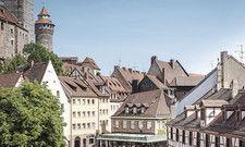 Malerisches Stadtbild: Alles andere als beschaulich ging es dagegen auf dem Nürnberger Messegelände zu – sehr zur Freude der Hotellerie.