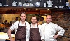Krönender Abschluss im Waldhaus Reinbek: Gastkoch Michael Kempf, Patissier Thomas Yoshita und Küchenchef Christian Dudka (von links)