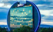 Etabliert, aber nach wie vor spektakulär: das Radisson Blu in Frankfurt/M.
